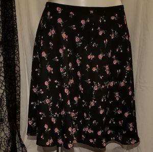 BNWT PLUS Size! Black floral skater skirt  Size 3X